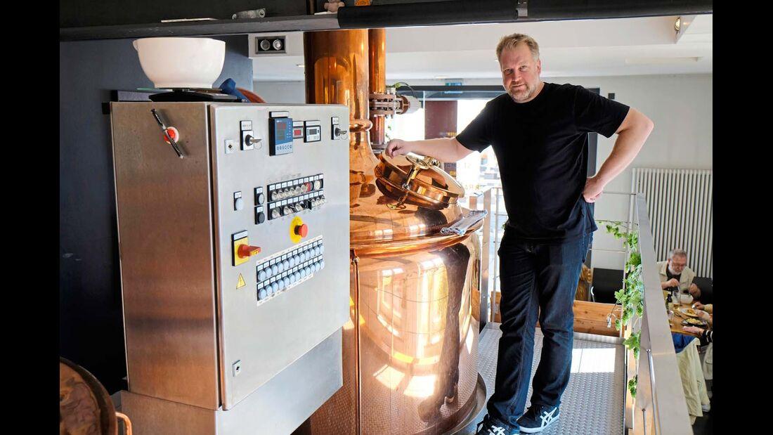 Im Karlsruher Brauhaus 2.0 kredenzt Jochen Martin seine Bio-Biere.