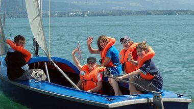 Jugendliche können im Sommer auf dem Campingplatz Gitzenweiler Hof spielend ihr Englisch verbessern