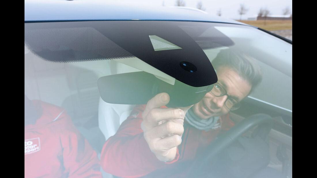 Kamera in Scheibe beim VW Passat