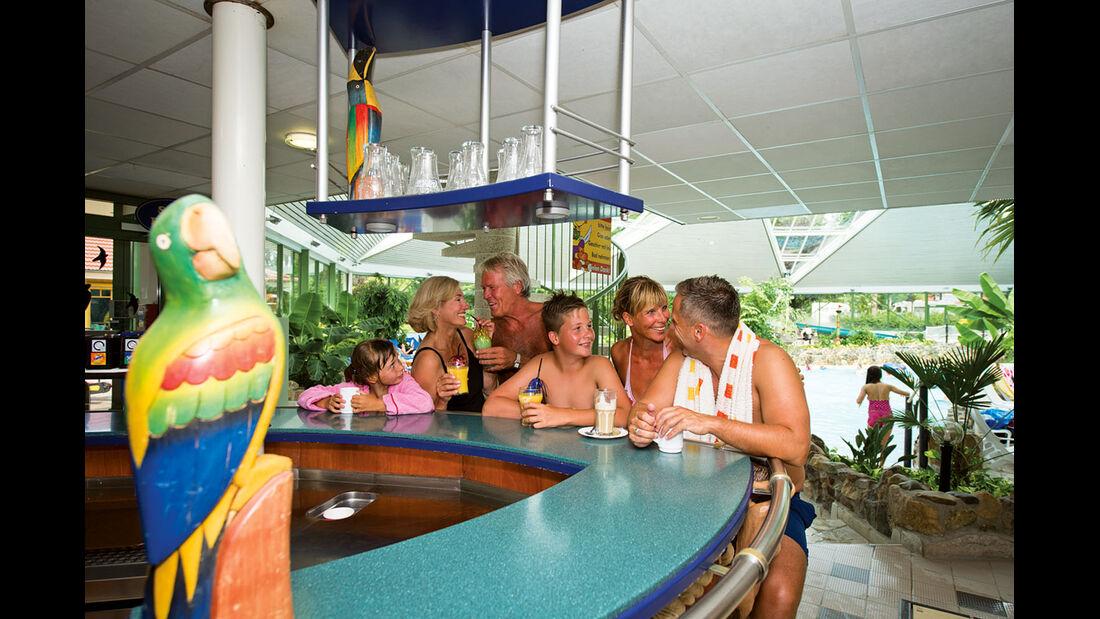 Kontiki-Bar im Erlebnisbad im Südsee-Camp