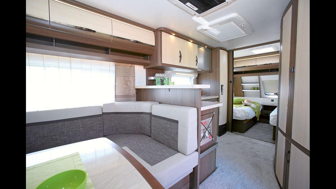 Küche mit Theke beim Hobby 620 CL
