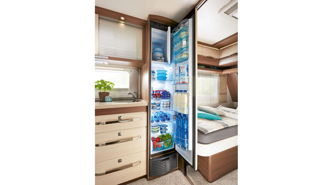 Kühlschrank Super-Slim-Tower mit 150 Liter Inhalt.