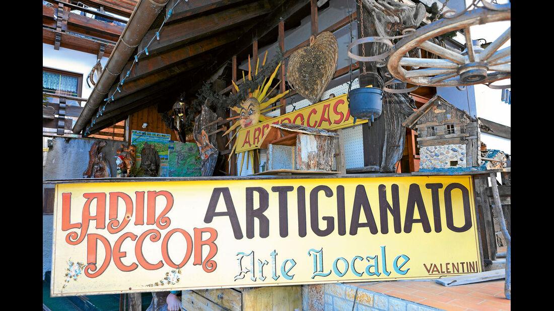 Laden für ladinisches Kunsthandwerk in Campestrin