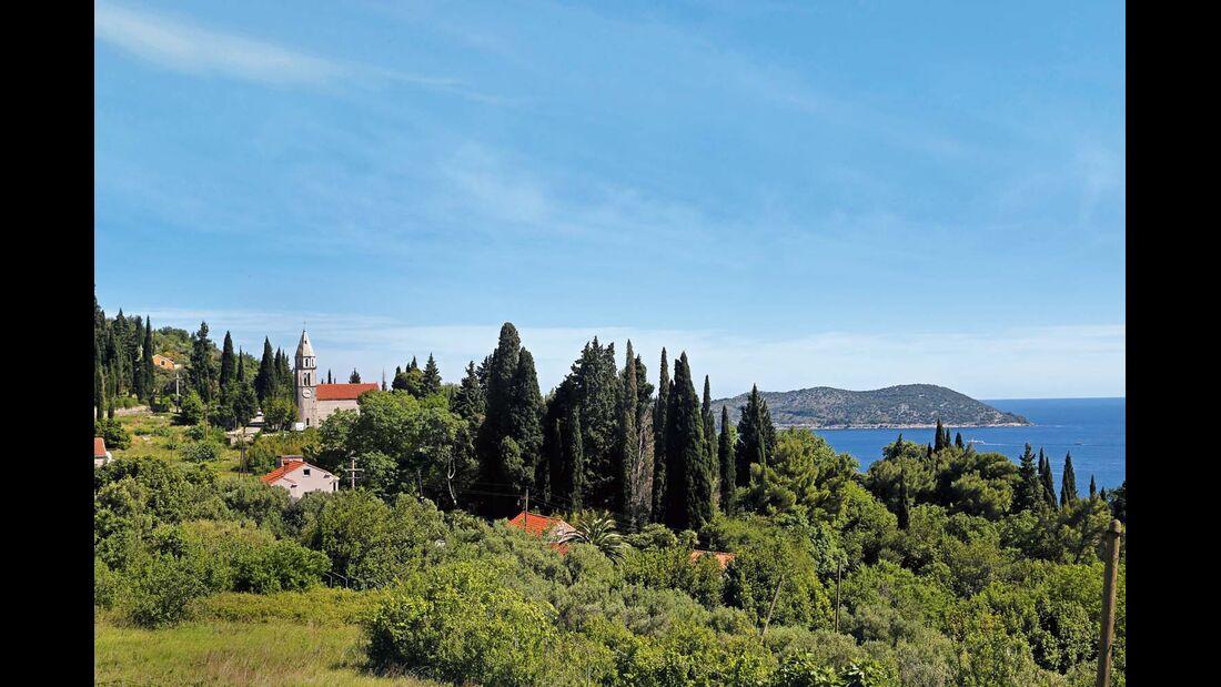Landschaft zwischen Dubrovnik und der Halbinsel Pelješac