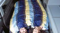 Liebesleben Lust beim Camping Bett