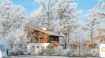 Märchenhaft verschneit: der Holmernhof in Bad Füssing.