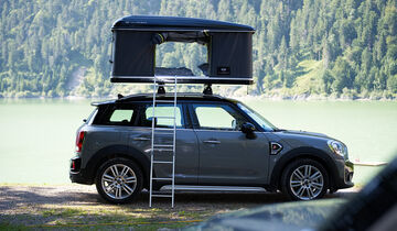 bernachten im dachzelt auf dem mini cooper countryman. Black Bedroom Furniture Sets. Home Design Ideas