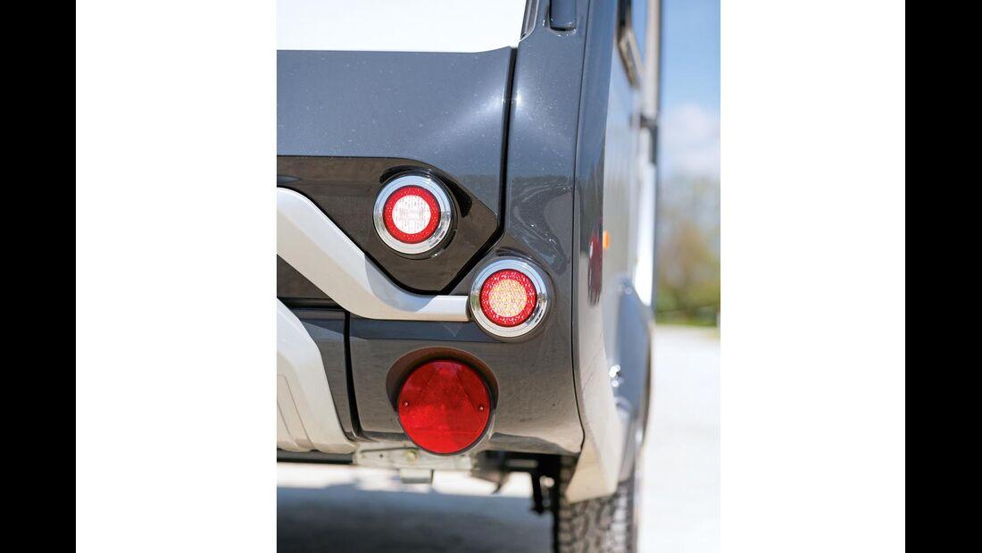 Moderne Rückleuchten und Blinker in LED-Technik beim T@b 320 RS Offroad
