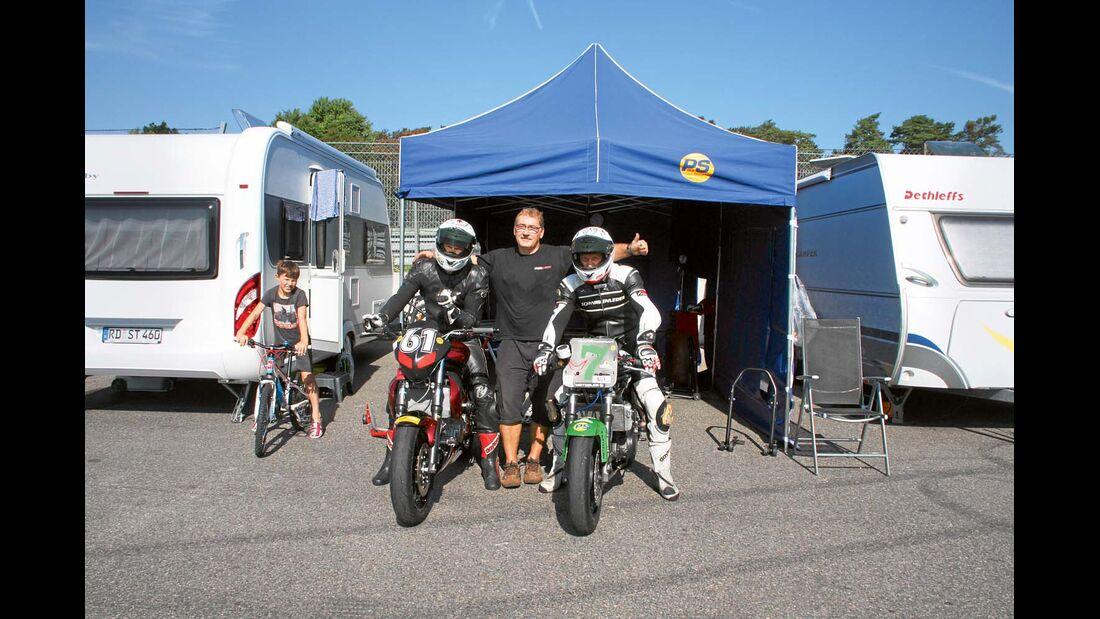Motorradlager neben Hobby De Luxe Edition 495 UL