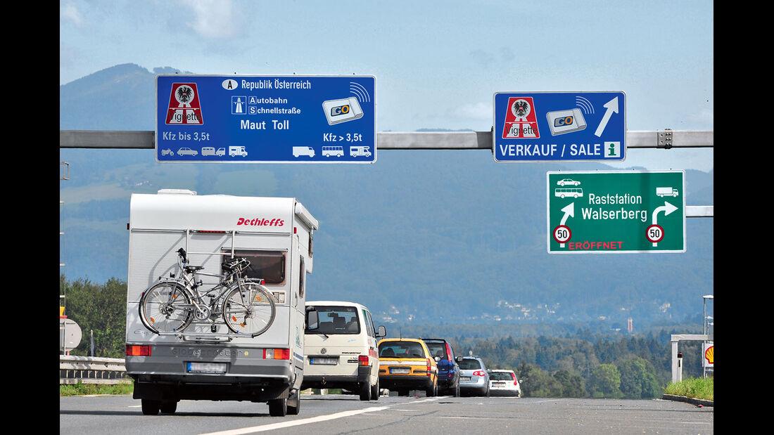 Oesterreichs Mautsystem stellt Gespanne und Reisemobile unter 3,5 Tonnen Pkw gleich.