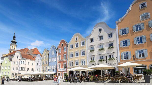 Prachtvolle Häuser schmücken Schärdings historischen Kern.