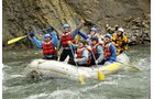 Rafting, Kanufahrten oder Wanderungen komplettieren das Abenteuerprogramm in den Rocky Mountains.