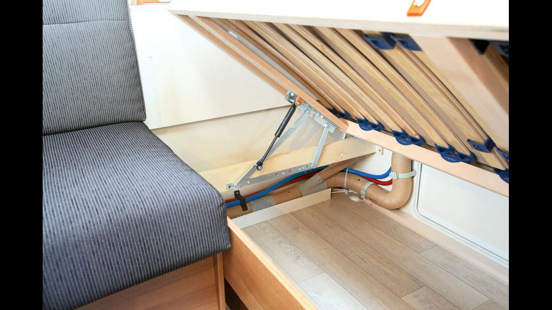 Saphir 515 SKE: Das einfache Anheben der Betten unterstützt der neuartige Liftomat.