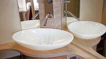 Schwache Wasserpumpen und Risse in der Duschwanne ärgern im Bad beim Bürstner Averso