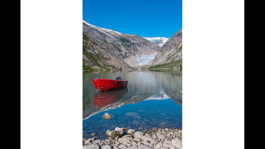 Südnorwegen See mit Boot