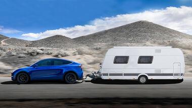 Tesla Model Y mit Wohnwagen