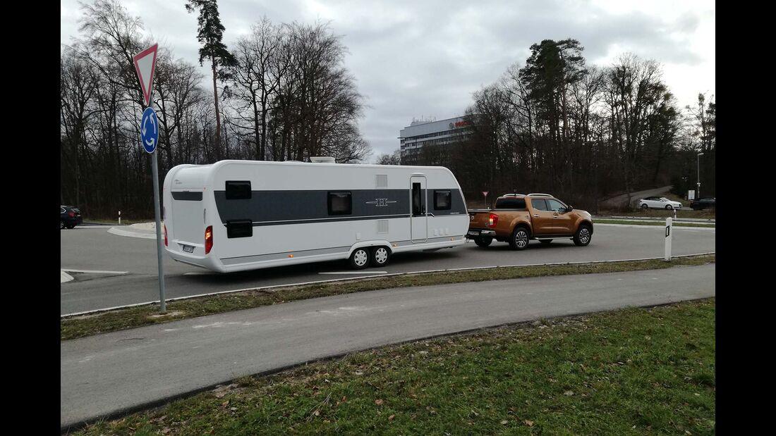 Tipps Caravan-Fahren Kreisverkehr