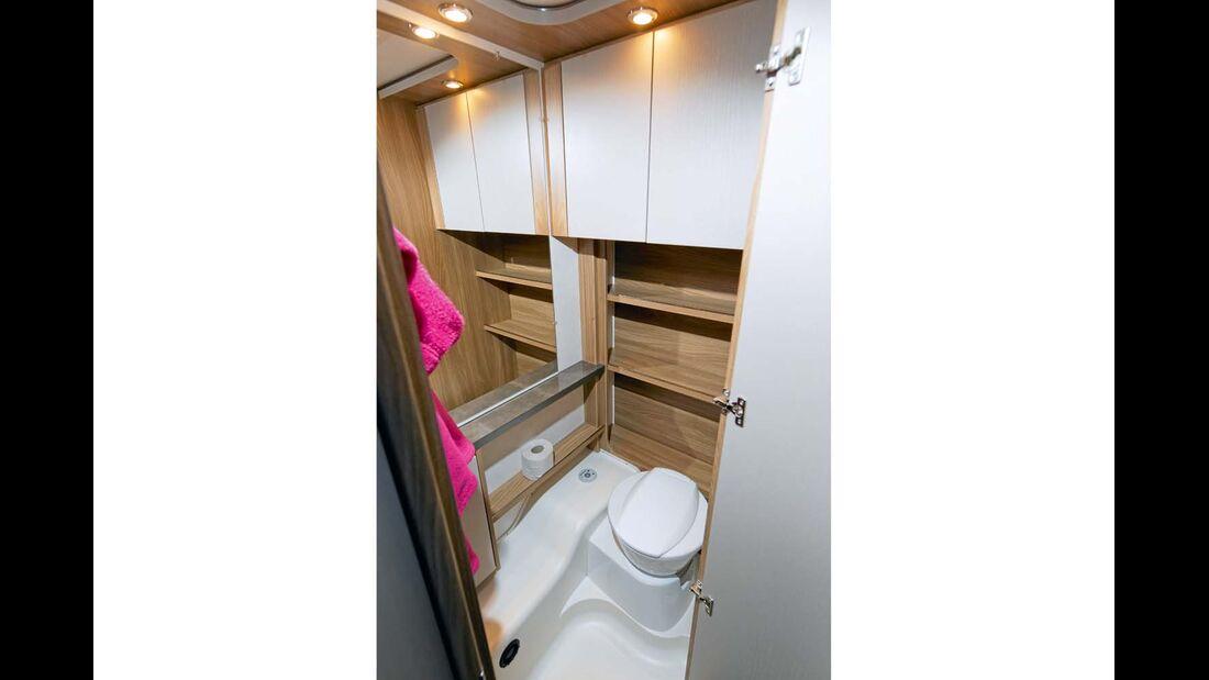 Toilettenraum geräumig und ergonomisch gut