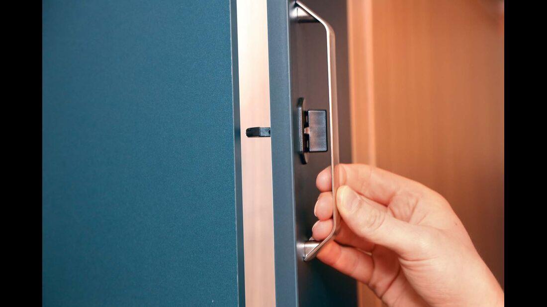 Türen können während der Fahrt aufspringen im Knaus Sport & Fun