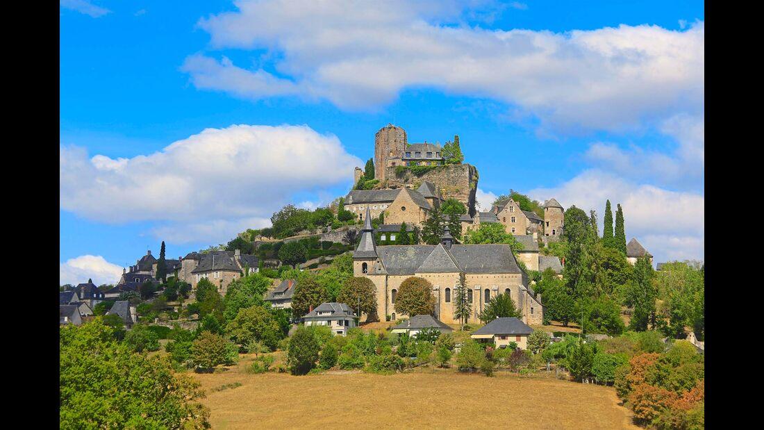 Turenne mit Burgruine – jahrhundertelang unabhängig und einflussreich.