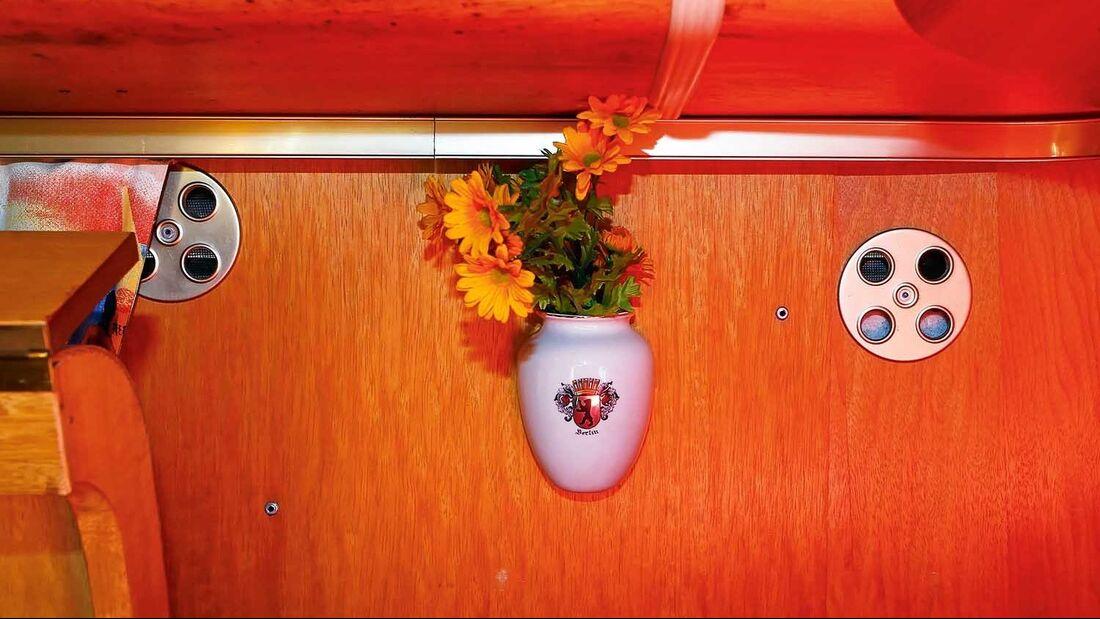 VW-Bus T1 innen Blumenvase