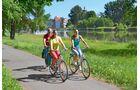 Viele Camper nehmen Fahrräder mit in den Urlaub.