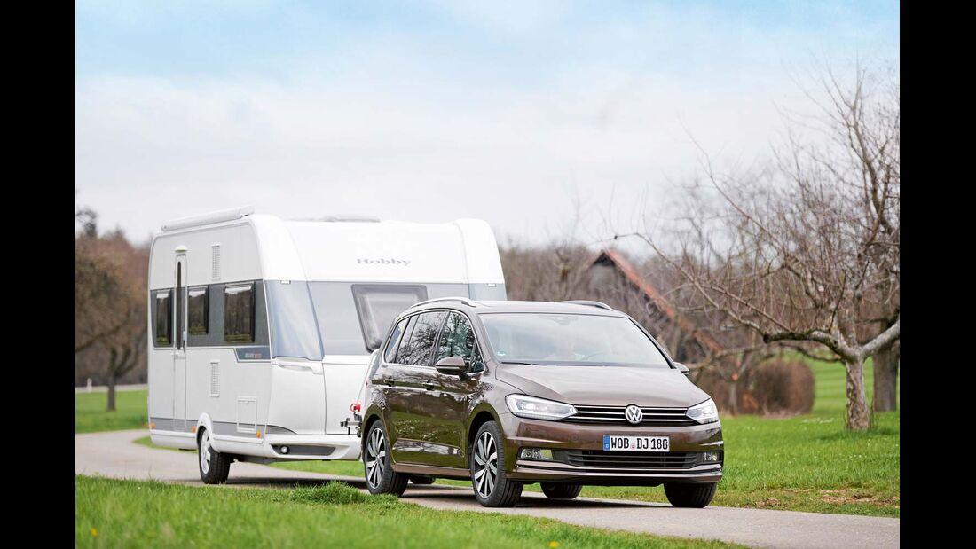 Volkswagen Touran im Zugwagen-Test