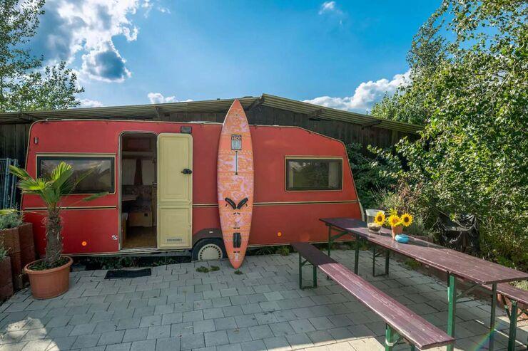 verr ckte wohnwagen und hnliche unterk nfte auf airbnb caravaning. Black Bedroom Furniture Sets. Home Design Ideas