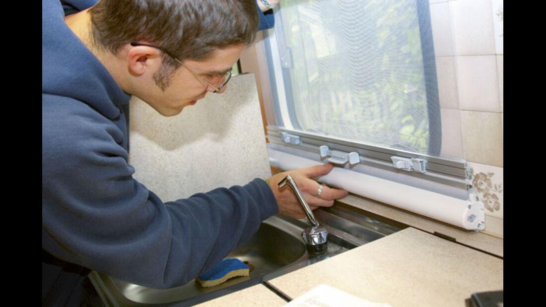 Workshop: Fensterrollo einbauen