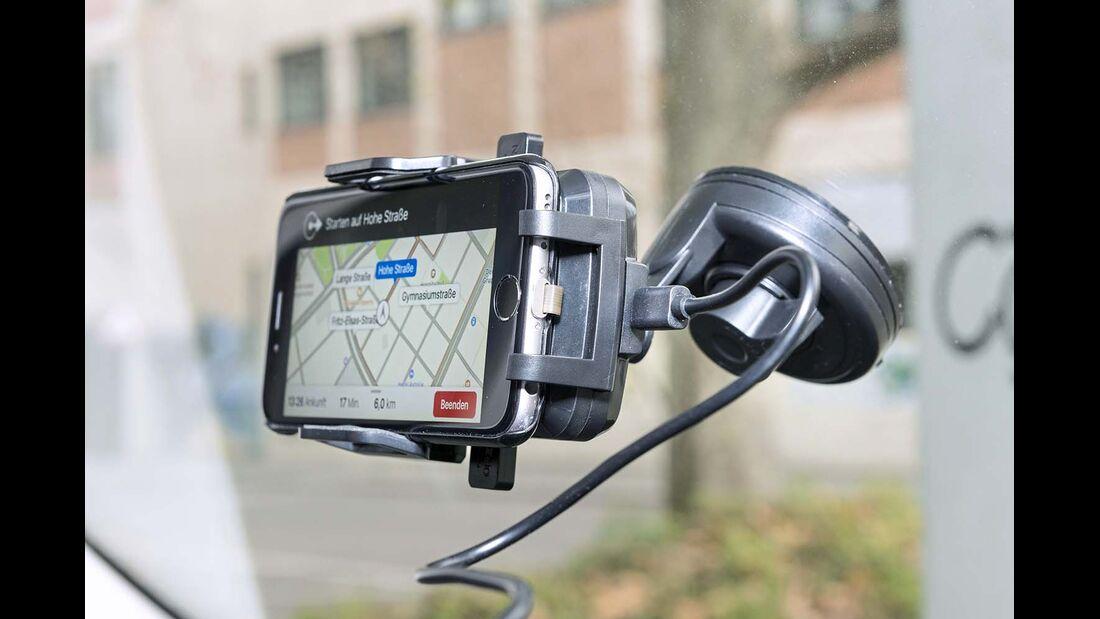 Zubehoer ausprobiert, Navihalterungen und Apps für Smartphones
