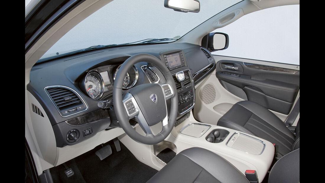 Zugwagen-Test: Lancia Voyager - Cockpit