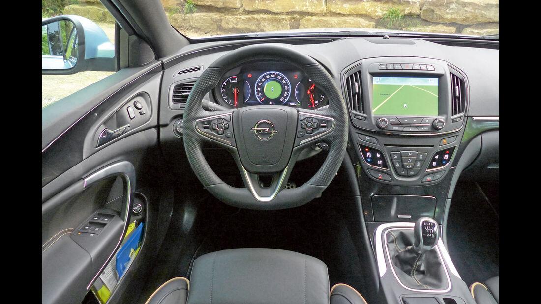 Zugwagen: Test, Opel Insignia, Displays