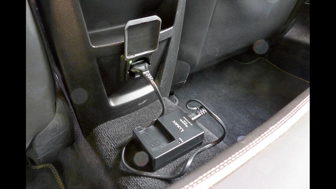 Zugwagen: Test, Opel Insignia, Steckdose
